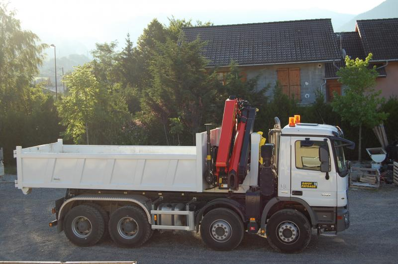 Camion grue actros